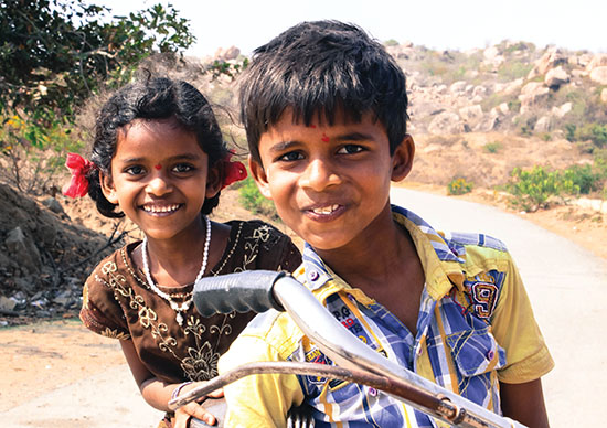 Travelling through the lens - India children